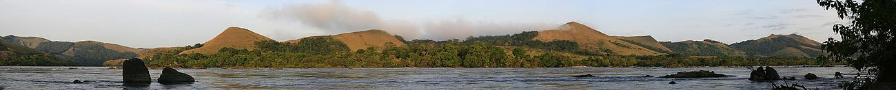 Lopé National Park river panorama.jpg