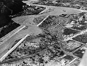 Los Angeles flood of 1938 - Image: Los Angeles River flood of 1938 aerial view above Victory Blvd (SPCOL20)