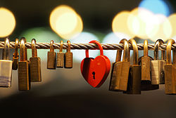 Love padlocks on the Butchers' Bridge (Ljubljana).jpg