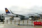 Lufthansa A320-214 (D-AIUK) at London Heathrow Airport.jpg