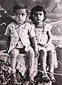 Lula ao lado de uma de suas irmãs.jpg