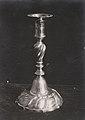 Lysestake i sølv (1897) (2747162094).jpg