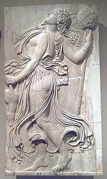 Menade danzante, copia romana di un originale greco della fine del V secolo a.C., Prado, Madrid