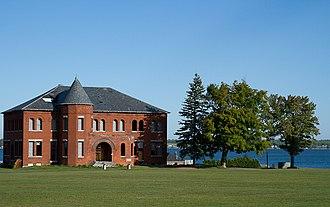 Madison Barracks - Image: Madison Barracks 02