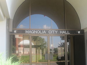Magnolia, Arkansas - Image: Magnolia, AR, City Hall IMG 2301