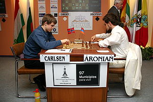 Magnus Carlsen - Carlsen playing Levon Aronian at Linares 2007