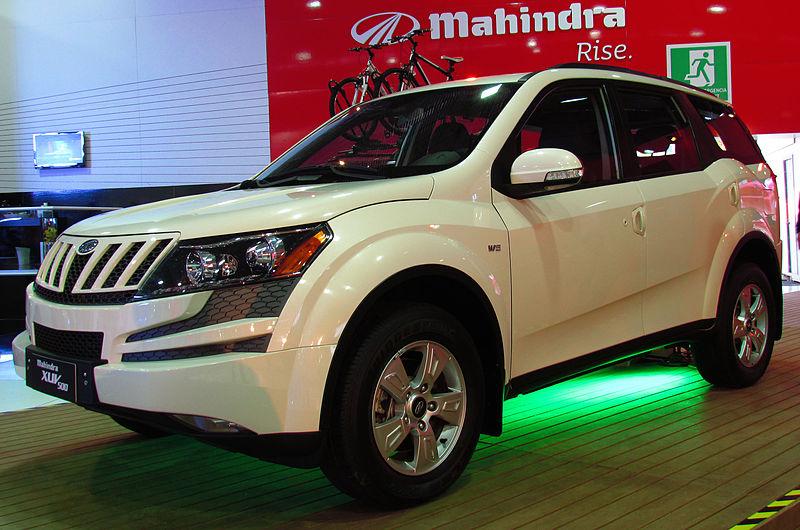 Mahindra XUV 500 W6 2013.jpg
