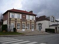 Mairie de Longnes.jpg