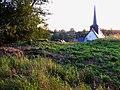 Maisnières église (depuis la motte) 2.jpg