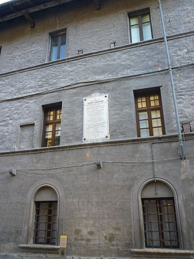 A French plaque commemorating the supposed birthplace of Anselm in Aosta. (The identification may be spurious.) Maison StAnselme 2.JPG