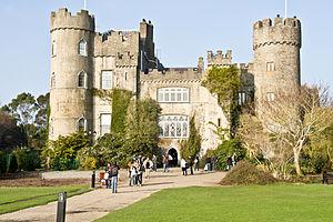 malahide castle фото