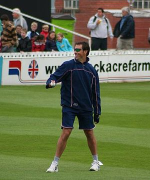 Marcus Trescothick - Trescothick warms up at Taunton for Somerset, in June 2007
