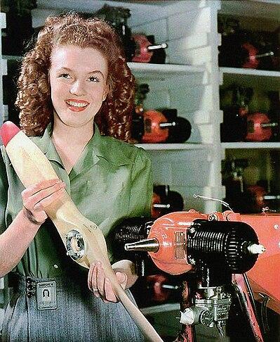Норма Джин Догерти и Radioplane TDD-2/OQ-3, 26 июня 1945 года