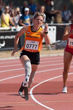 Marlou van Rhijn - Van Rhijn running at the IPC Athletics World Championships in 2013