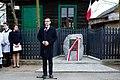 Mateusz Morawiecki przy Pomniku Rodziny Lubkiewiczów w Sadownem Narodowy Dzień Pamięci Polaków ratujących Żydów.jpg