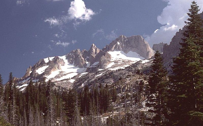 File:MatterhornPeakCA.jpg