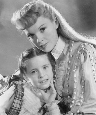 Margaret O'Brien - Margaret O'Brien and Judy Garland in Meet Me in St. Louis (1944)