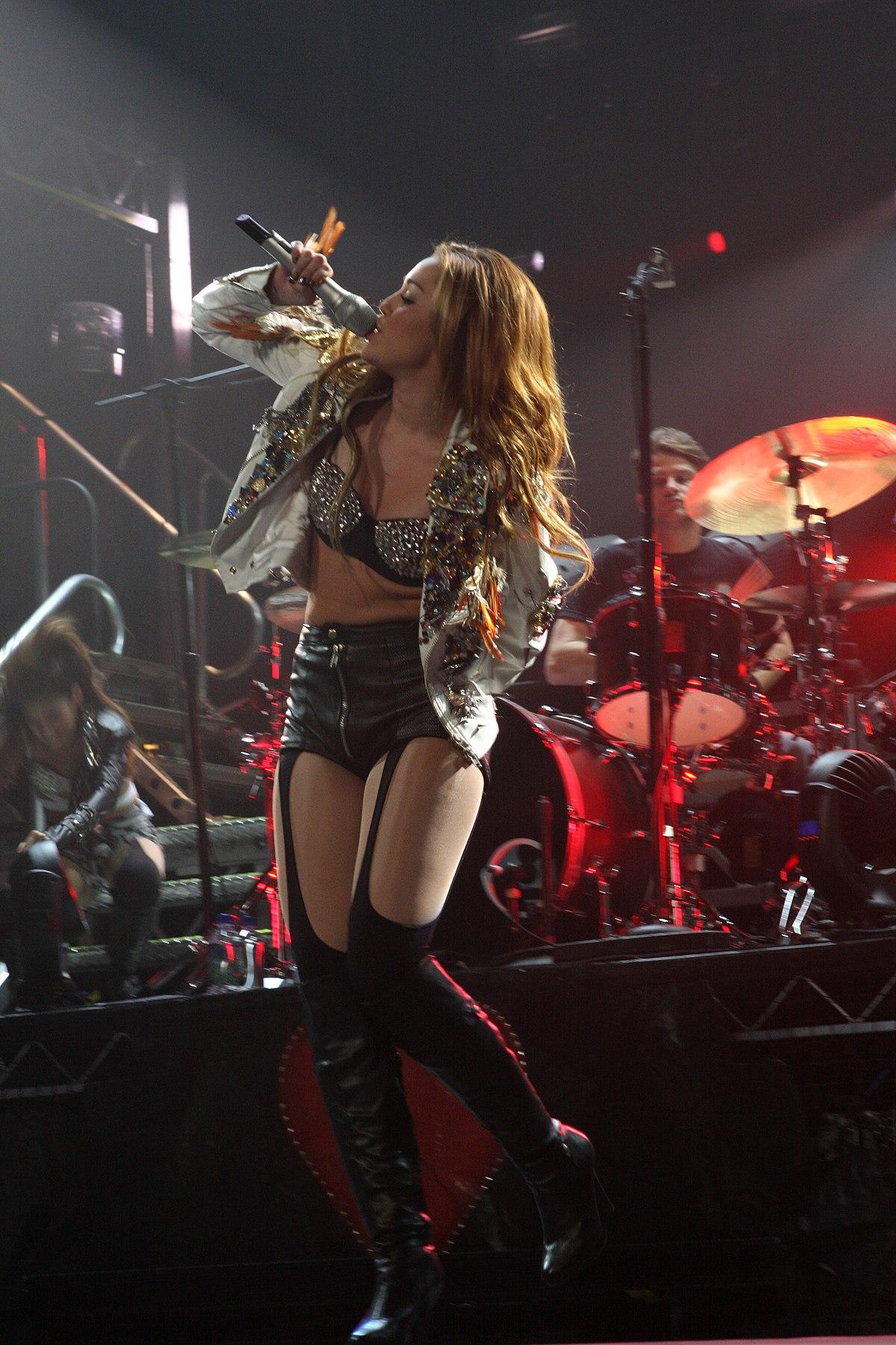 Miley cyrus tour dates in Sydney
