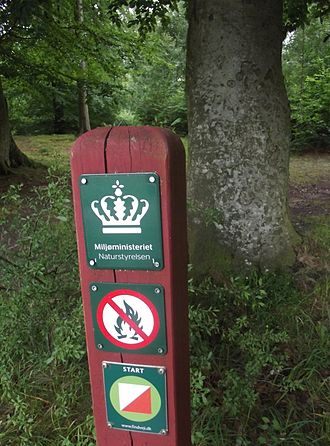 Ministry of Environment (Denmark) - Ministry mark in a nature park (Teglstrup Hegn)