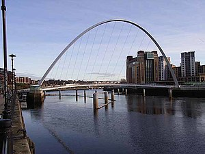 English: Millennium Bridge, Newcastle to Gates...