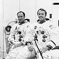 Mitchell i Shepard S70-19764.jpg