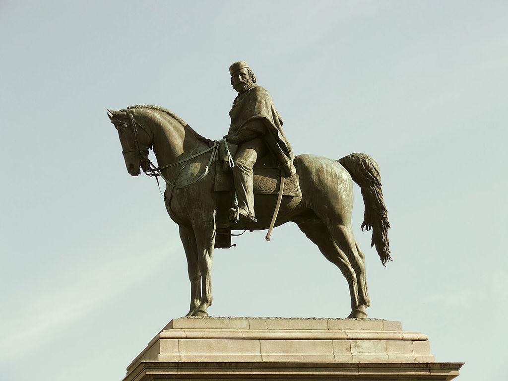 Statue équestre de Garibaldi, principal acteur de la réunification italienne. Sur la colline du Janicule à Rome. Photo de Gianfranco