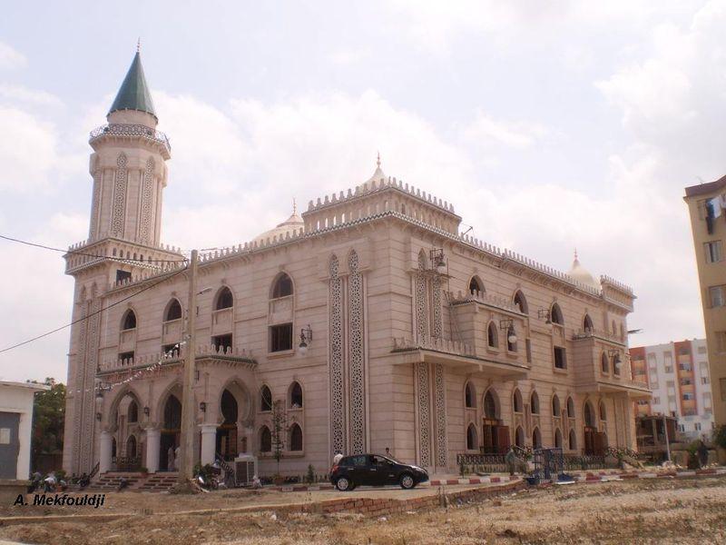 أدخل تعرف على مدينتي وحومتي 800px-Mosquée_à_Boufarik.jpg
