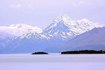 Mount Cook and Lake Pukaki.jpg