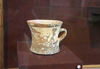 Archaeological Museum of Andros - Image: Mycen pottery AM Andros C50 090515
