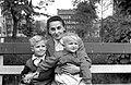 Nő és két gyerek, 1954. Fortepan 5841.jpg