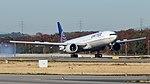 N2331U United B777 (45030443721).jpg