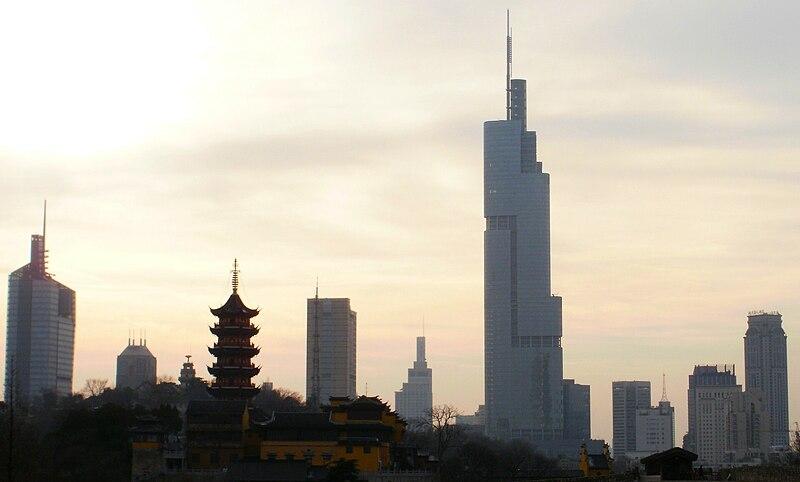 ファイル:Nanjing Skyline 2010.jpg