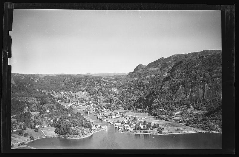 File:Nasjonalbiblioteket - Widerøe flyfoto - Tettstedet Feda i Kvinesdal kommune.jpg