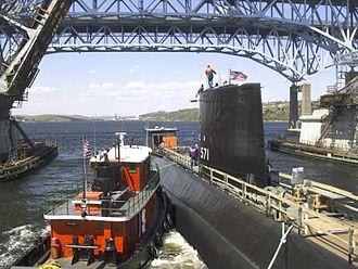 USS Nautilus (SSN-571) - Image: Nautilus (SSN 571) Groton CT 2002 May 08