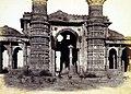 Near View Miya Khan Chishti's Mosque Ahmedabad 1866.jpg