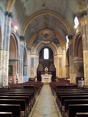Ancient Diocese of Orange - Interior of Orange Cathedral