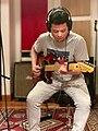 Nico Brofman grabando en estudio.-.jpg