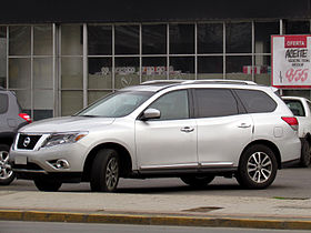 Nissan Pathfinder 3.5 Advance 4WD 2014 (14566663230).jpg