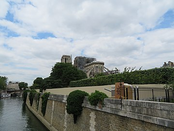 Notre-Dame - 2019-05-31 - General view from the south-east 01.jpg