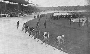 Cycling at the 1908 Summer Olympics – Men's 20 kilometres - Image: OS Spiele 1908 20 km Rennen