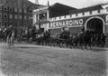 O cortejo organizado aquando da cerimónia do juramento do herdeiro presuntivo do trono, infante Dom Afonso (1910-03-18).png