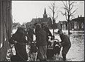 Opnamen van door de watersnood 1953 getroffen plaatsen toen en een jaar later. ', Bestanddeelnr 059-1294.jpg