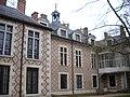 Orléans - hôtel Groslot (06).jpg