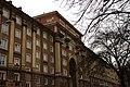 Ostrava, Poruba, Hlavní třída, dům s průjezdem k náměstí Jana Nerudy.jpg