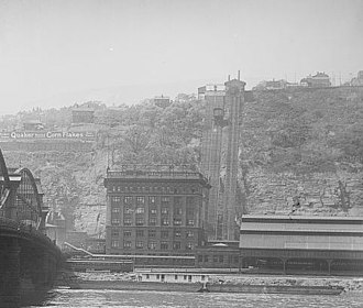 Pittsburgh & Lake Erie Railroad Station - Image: P. & L.E. Ry. Pittsburgh and Lake Erie Railroad station and Mt. Washington, Pittsburgh, Pa. c.1905 (cropped)