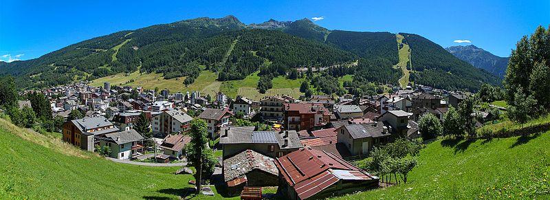 800px-Panoramica_Aprica.jpg