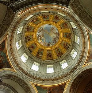 Vue du plafond du dôme des Invalides à Paris