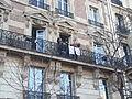 Paris Manifestation Mariage pour tous Supporters au balcon.jpeg