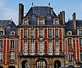 Paris Place des Vosges 10.jpg