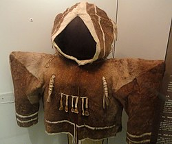 Parka (woman's), Copper Eskimo, collected in 1920-1921 - Native American collection - Peabody Museum, Harvard University - DSC05652.JPG